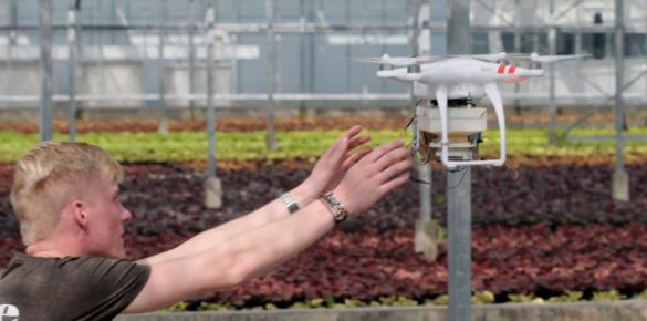Studenten ontwikkelen drone die gewassen beschermt